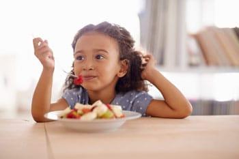kids-eating-cheap